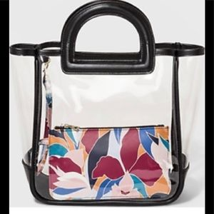 NWT Clear Handbag 👜 with inside pouch 👝